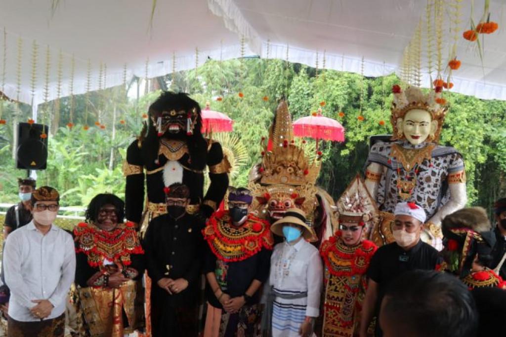 Kunjungan Menparekraf ke Desa Wisata Carangsari